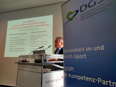 Dr. Martin Kornmann spricht über Bewegungstherapie bei Diabetes, Foto: Daniel Schmidt, DGSP
