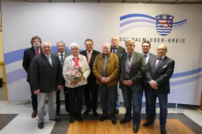 SEK. v-l.  Günter Franke, Günther Gimpel, Heinz Knoch, Helga Christ, Landrat Winfried Becker, Günter Schenk, 1. Beig. Manfred Ries, Erwin Hochfeld