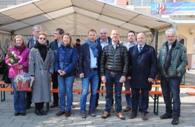Die Eröffnung des Lüdertalmarktes durch den Gewerberverein mit dem Vorsitzenden Stephan Günther und Bürgermeister Werner Dietrich