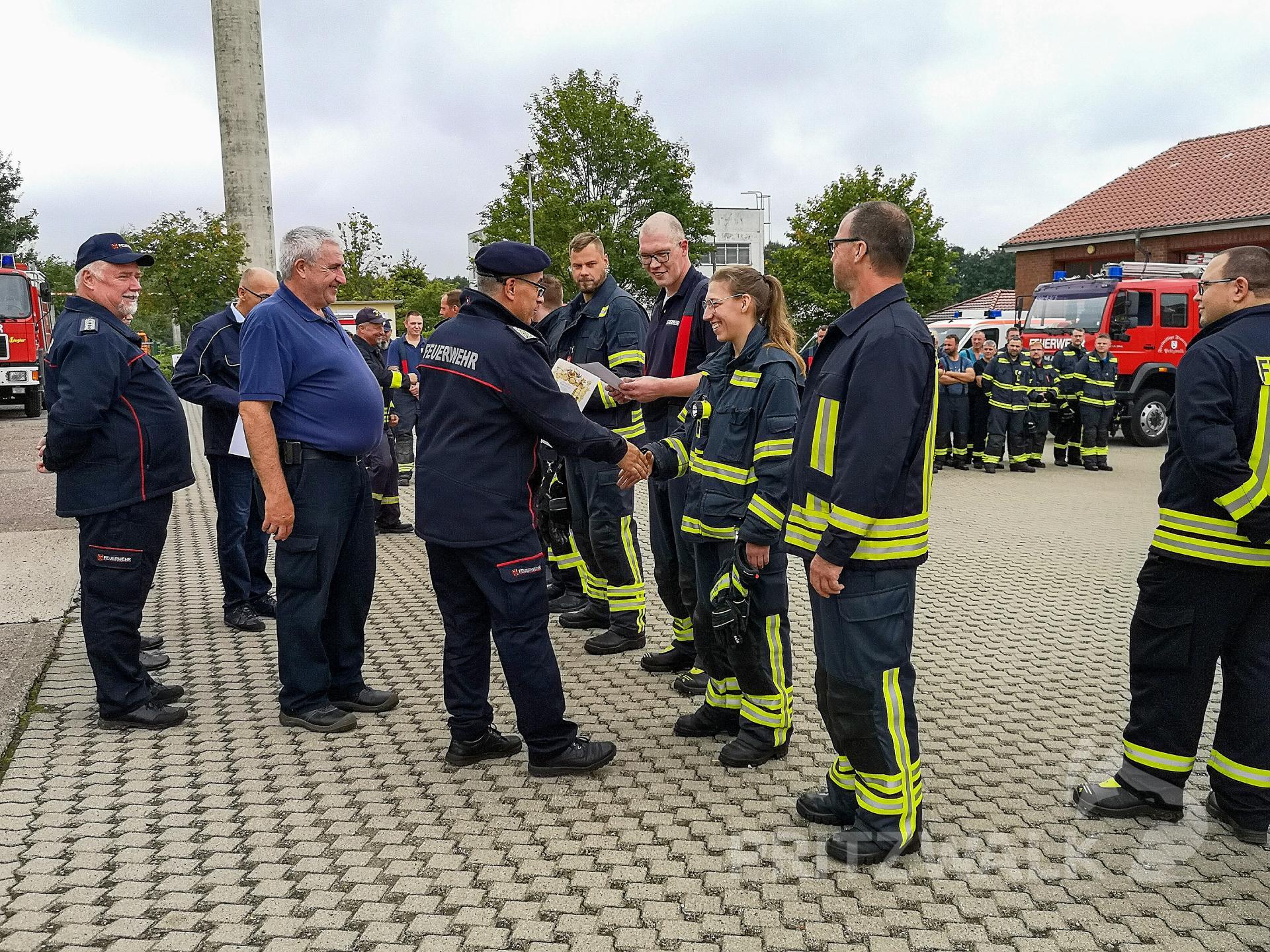 Beförderungen beim Stadtausbildungstag der Feuerwehren.