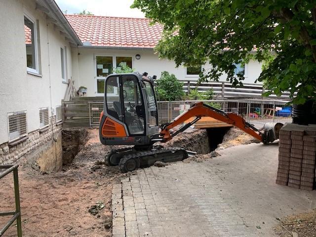 Sanierung Schächte und Regenwasserverrohrung