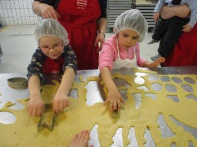 Foto zur Meldung: In der Osterbäckerei - mit Buntspechten und Wiesenpiepern