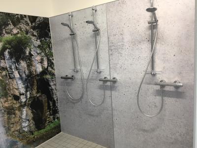 Foto zur Meldung: Duschen im Vereinsheim sind fertig