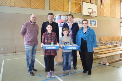 Foto zur Meldung: Spielend programmieren lernen - Kinder der GS Schillingen bedanken sich für gelungene Spendenaktion