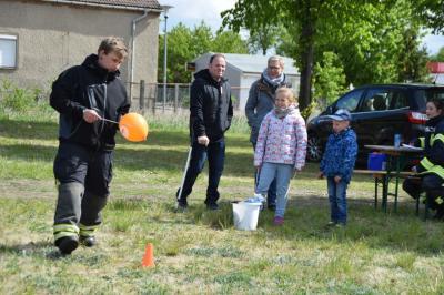 Foto zur Meldung: Begegnung bei Bewegung bei der Freiwiligen Feuerwehr Perleberg