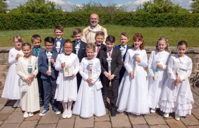 Foto zur Meldung: 14 Kinder gehen in Schondra zur Erstkommunion