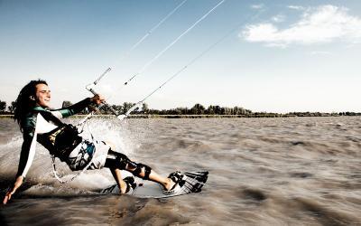 Foto zur Meldung: Kitesurfen für Gehörlose