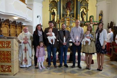 Foto zur Meldung: Zwei Kinder wurden durch die Taufe in unsere Kirchengemeinde aufgenommen