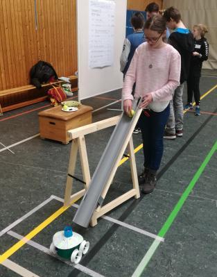Vorschaubild zur Meldung: Tüftel-Ei-Wettbewerb: Fabienne Raup erhält Sonderpreis