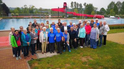Vorschaubild zur Meldung: Jubiläums-Saison im Familienbad Wächtersbach von Frühschwimmer eröffnet
