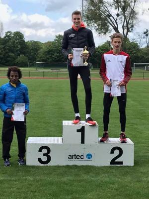 Vorschaubild zur Meldung: Justus Kaufmann NRW-Meister über 5.000 Meter