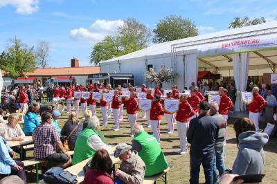 Foto zur Meldung: pro agro Regionalmarkt auf der BraLa besucht