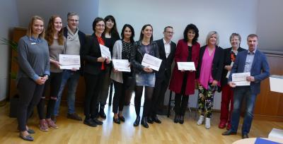 Vorschaubild zur Meldung: Realschule plus erhält Scheck von der Volksbank Glan-Münchweiler