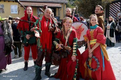 Foto zur Meldung: Schloßparkfest mit Mittelalterspektakel