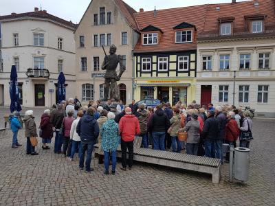 Stadt Perleberg | Begrüßung der Gäste auf dem Großen Markt am Perleberger Roland