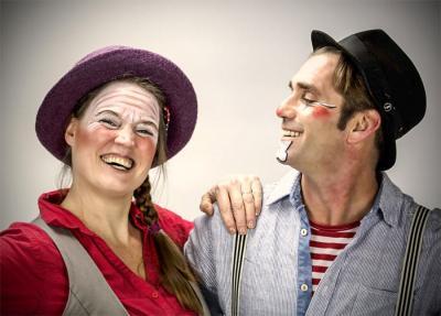 """Die Clowns """"Tacki und Noisly"""" eröffnen den Kinderfamilientag am 1. Juni am Pritzwalker Kulturhaus. Foto: Agentur"""
