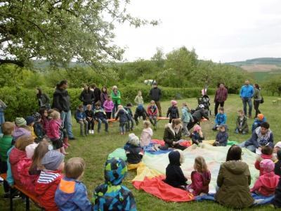 Vorschaubild zur Meldung: Kindergarten Hegelstraße feiert Frühlingsfest