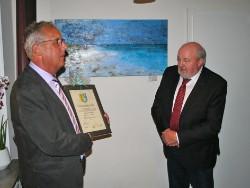 Vorschaubild zur Meldung: Andreas Petersen ist Ehrenbürgermeister