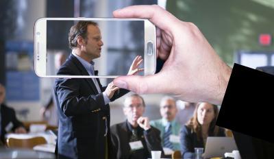 Bild der Meldung: PR und Marketing per Smartphone: Mit der APP Videos erstellen. Praktische Tipps für den Unternehmensalltag.