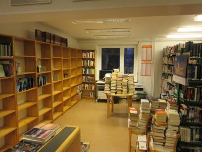 Foto zur Meldung: Frühjahrsputz in der Bibliothek