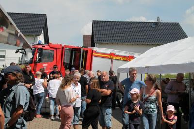 Vorschaubild zur Meldung: Riesengedränge herrschte beim Tag der offenen Tür der Freiwilligen Feuerwehr Brandoberndorf