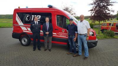 Foto zur Meldung: Feierliche Übergabe des neuen Dichtelbacher Feuerwehrfahrzeuges