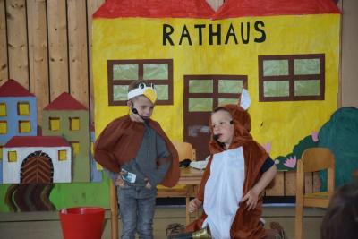Foto zu Meldung: KiTafest in Schondra mit politischer Botschaft