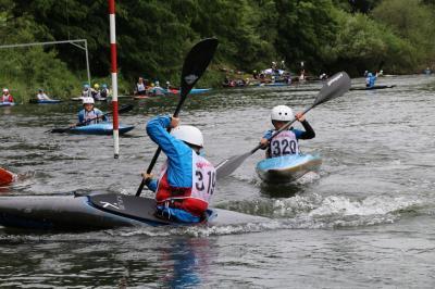 Foto zur Meldung: Junge niedersächsische Slalomkanuten behaupten sich in NRW