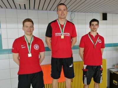 Foto zur Meldung: 6 Medaillen für Nienburger Schwimmer bei den Offenen Drei-Länder-Masters-Meisterschaften der Schwimmer in Riesa