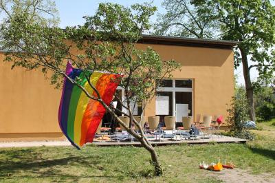 """Vorschaubild zur Meldung: Noch freie Plätze für Seminar """"Queere Geschichte(n)"""", 08.-12.07.19"""