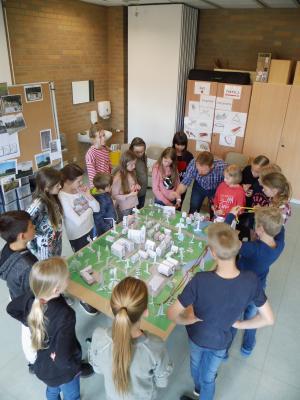 Vorschaubild zur Meldung: Grundschüler lernen den Weg des Stroms