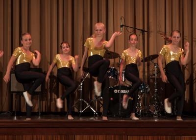 Tanzklassen der Geschäftsstellen Parchim und Ludwigslust beim Auftritt. Foto: Gerlind Bensler