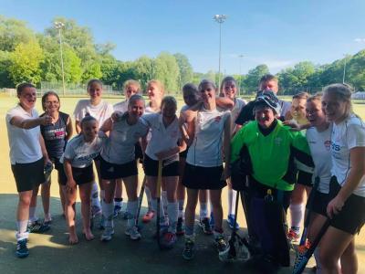 Foto zur Meldung: Sieg zum Saisonschluss bei den PSU-Damen