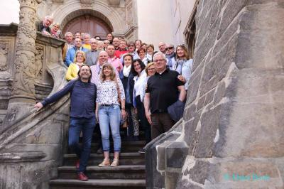 Auf der Rathaustreppe von Görlitz