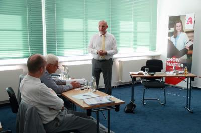 Thomas Schwierzy, Präsident des LFB Brandenburg eröffnet die Podiumsdiskussion