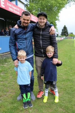 Zwei alte Bekannte freuen sich schon ganz besonders darauf gemeinsam mit ihrem eigenen Nachwuchs inklusive, die jüngsten Germanen-Kicker zu trainieren.