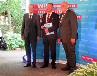 Vorschaubild zur Meldung: Besondere Auszeichnung für Obermeister Ulf Ender