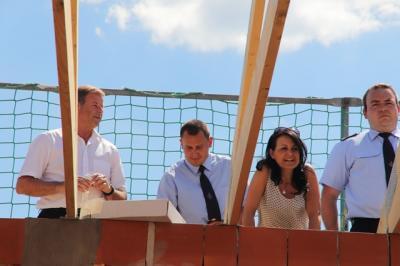 Vorschaubild zur Meldung: Feuerwehrgerätehaus in Kotzen feiert Richtfest