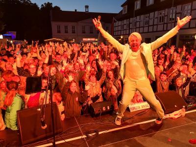 Entertainer mit ganz viel Charme: Ross kam, sah und siegte. Foto: Beate Vogel