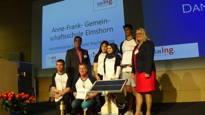 Foto zur Meldung: Hohe Auszeichnung: Staatssekretärin zeichnet LüttIng-Projekt des 10. Jahrgangs aus.