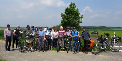 Gruppenfoto der Ronneburg-Tour der Seniorenradler*innen
