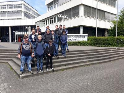 Vorschaubild zur Meldung: Besuch beim Berufskolleg Technik in Siegen