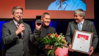 Am 5. Juni wurde dem bekannten Schauspieler und gebürtigen Wittenberger Udo Schenk die Ehrenbürgerschaft der Elbestadt verliehen I Foto: Sina Teschner
