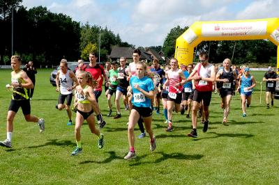 Start der Läuferinnen und Läufer beim 18. Grafelder Volkslauf
