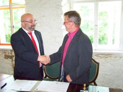 Foto zur Meldung: Partnerschaftsvereinbarung mit Osek