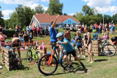 Foto zur Meldung: Floose-Cup: Vorfreude auf den Triathlon