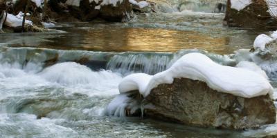 Vorschaubild zur Meldung: Der Unterschied zwischen stillem Wasser und einem Rockkonzert