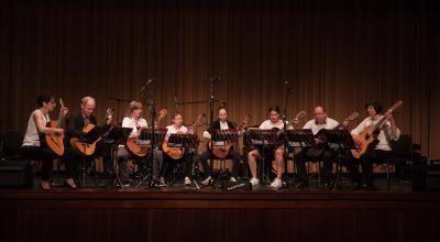 Die Mosaik-Guitars aus Ludwigslust bei einem Konzert. Foto: Gerlind Bensler