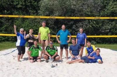 Foto zur Meldung: Sieben Teams bestritten Beachvolleyballturnier im Freizeitbad Grasleben