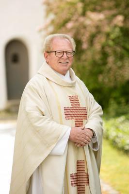 Foto zur Meldung: Unser Pfarrer blickt auf die 40 Jahre als Priester zurück